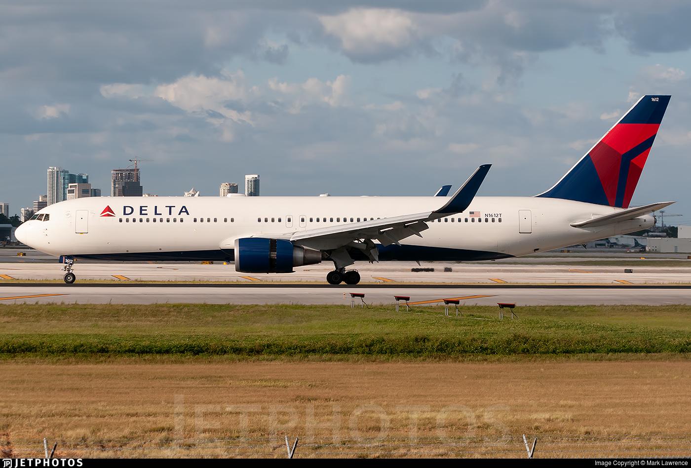 N1612T - Boeing 767-332(ER) - Delta Air Lines