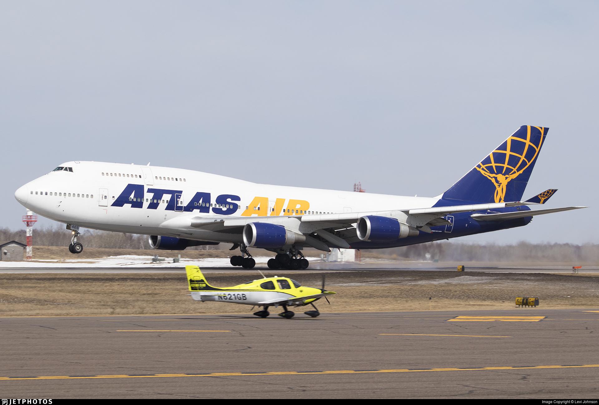 N465MC - Boeing 747-446 - Atlas Air