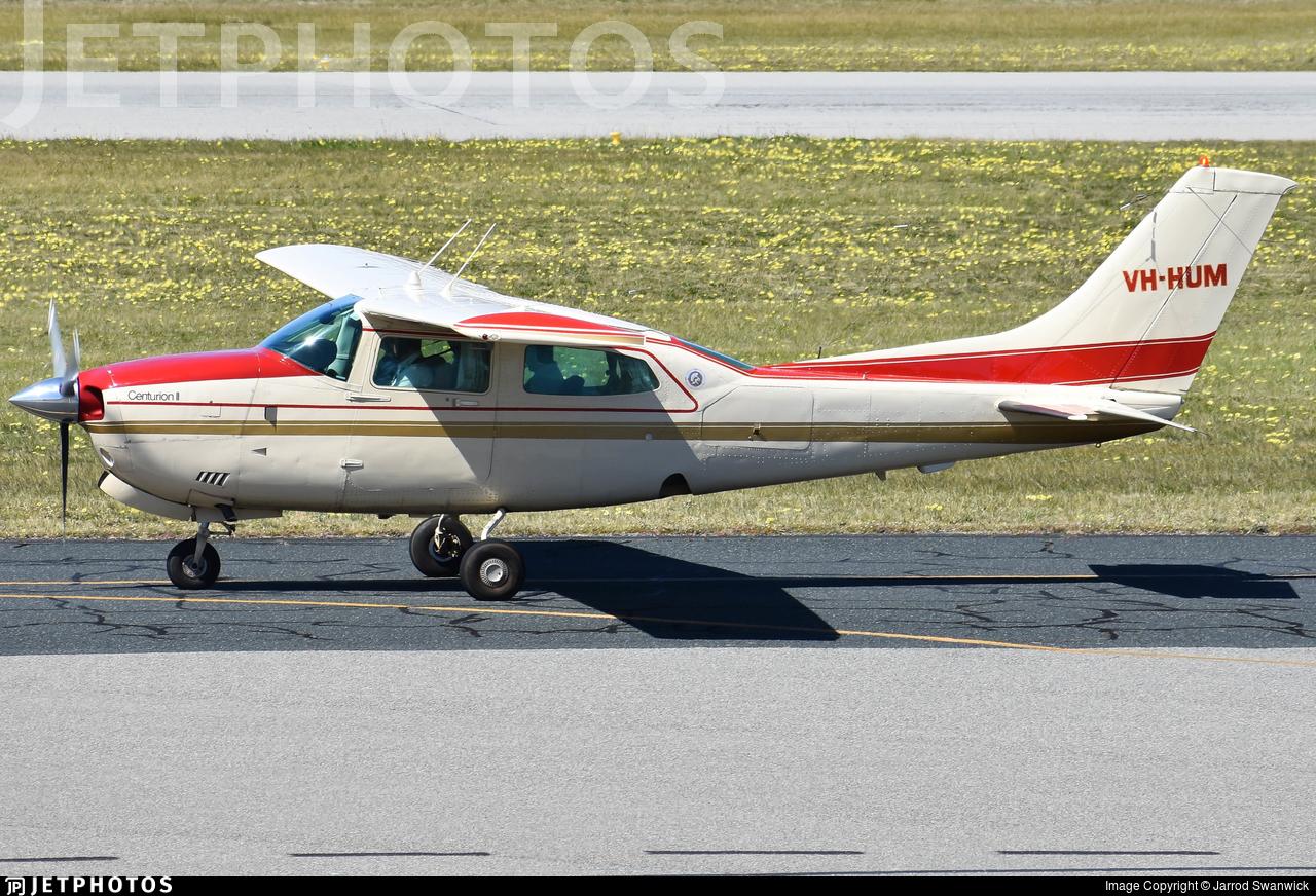 VH-HUM - Cessna 210N Centurion II - Private
