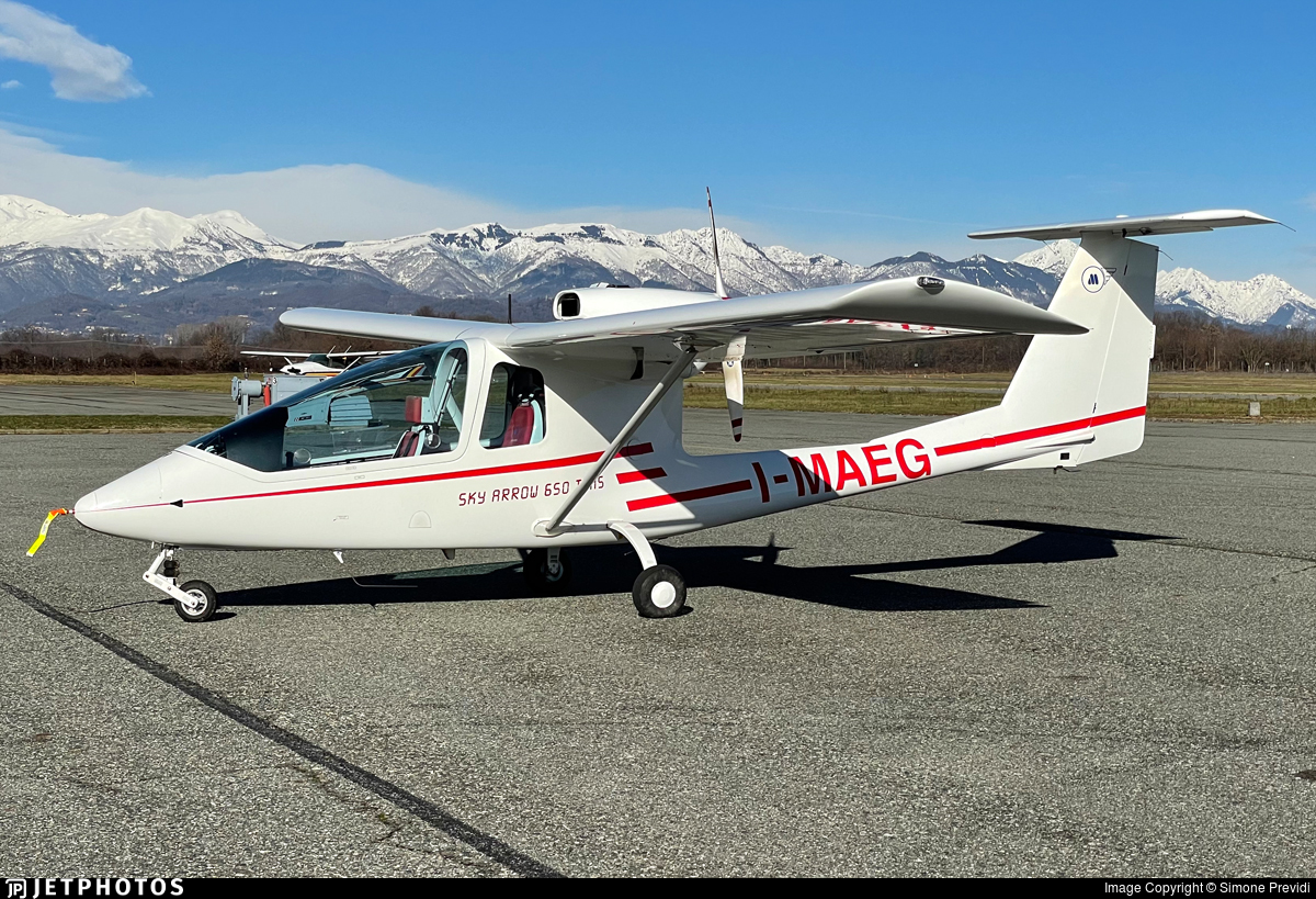 I-MAEG - Iniziative Industriali Italiane Sky Arrow 650TCNS - Air Vergiate