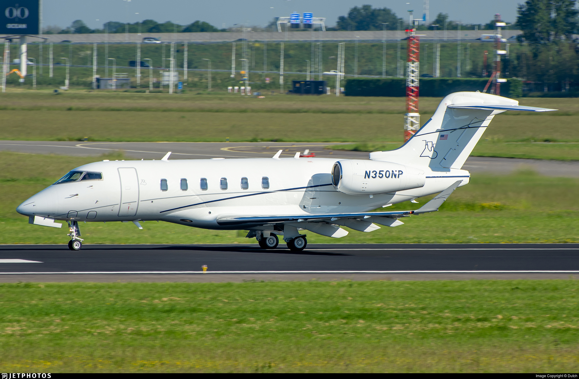 N350NP - Bombardier BD-100-1A10 Challenger 350 - Private