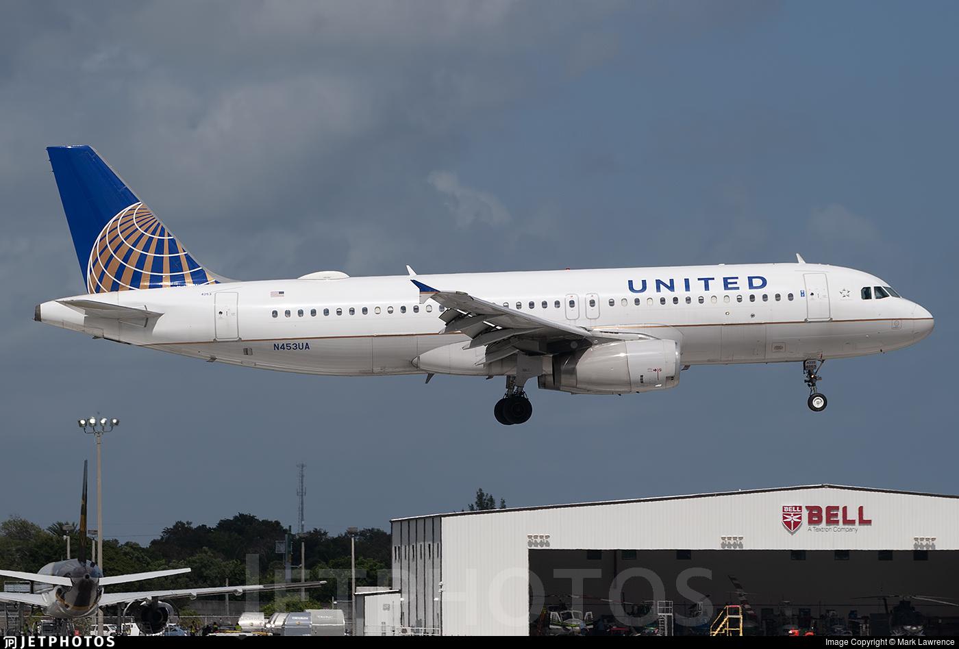 N453UA - Airbus A320-232 - United Airlines