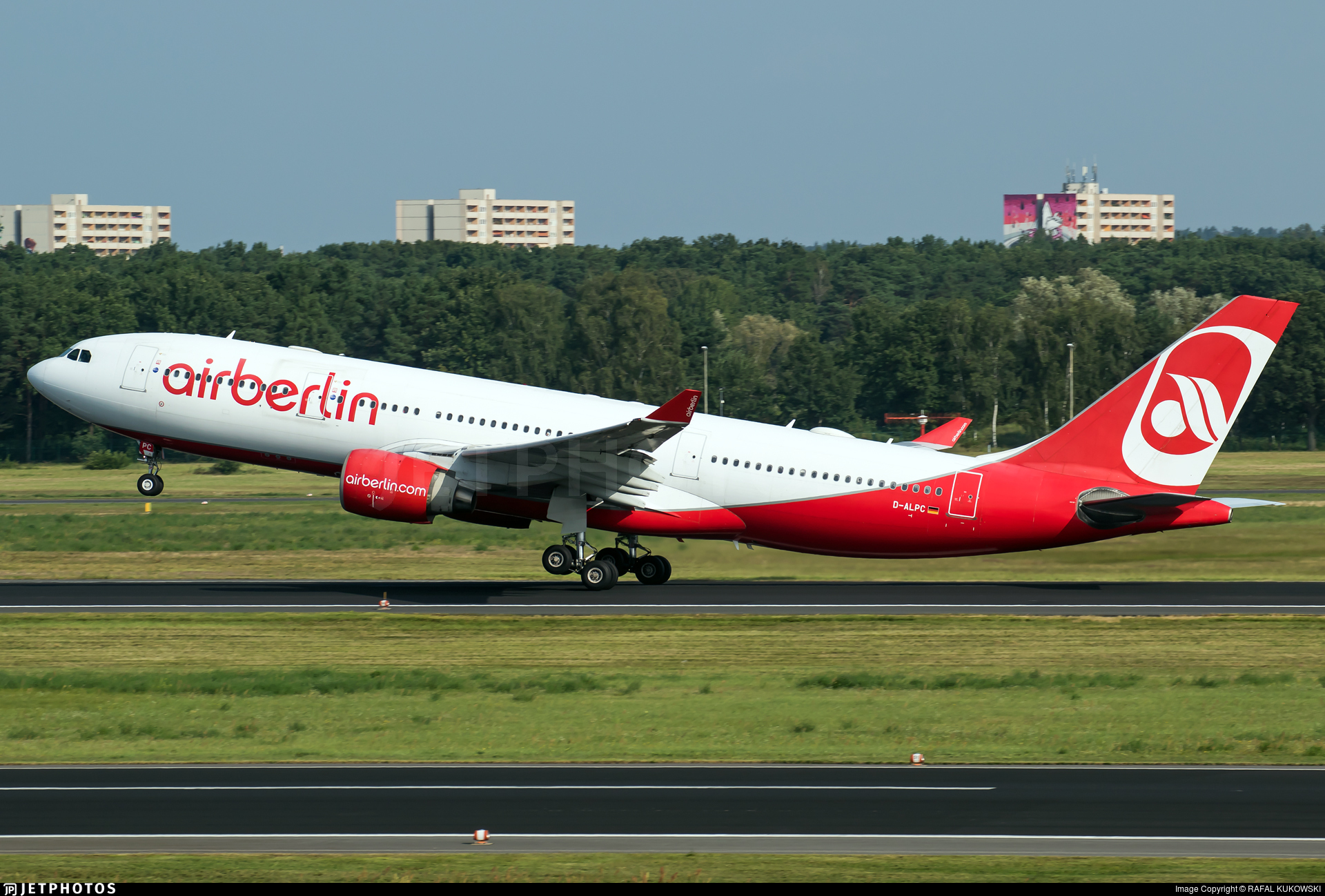 D-ALPC - Airbus A330-223 - Air Berlin