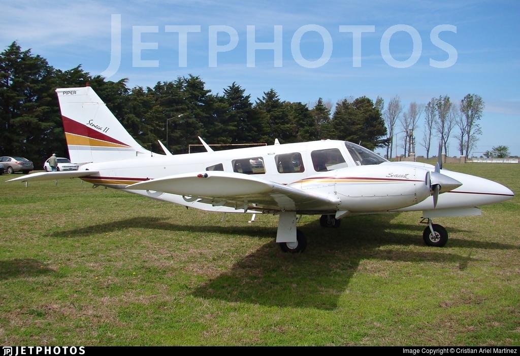 LV-MMJ - Piper PA-34-200T Seneca II - Private