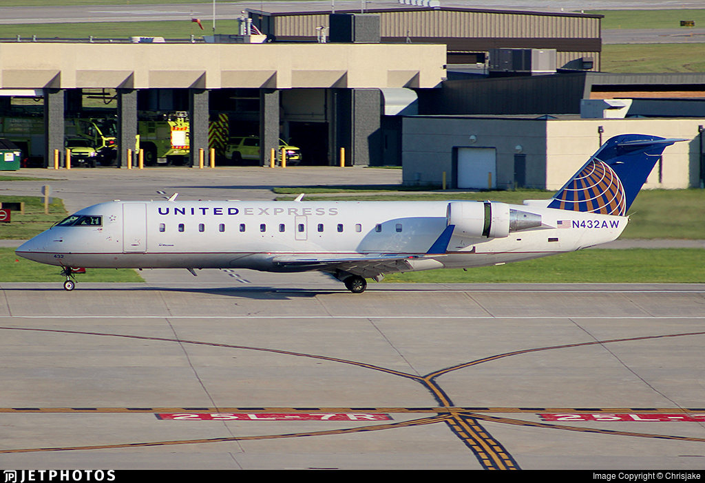 N432AW - Bombardier CRJ-200LR - United Express (Air Wisconsin)