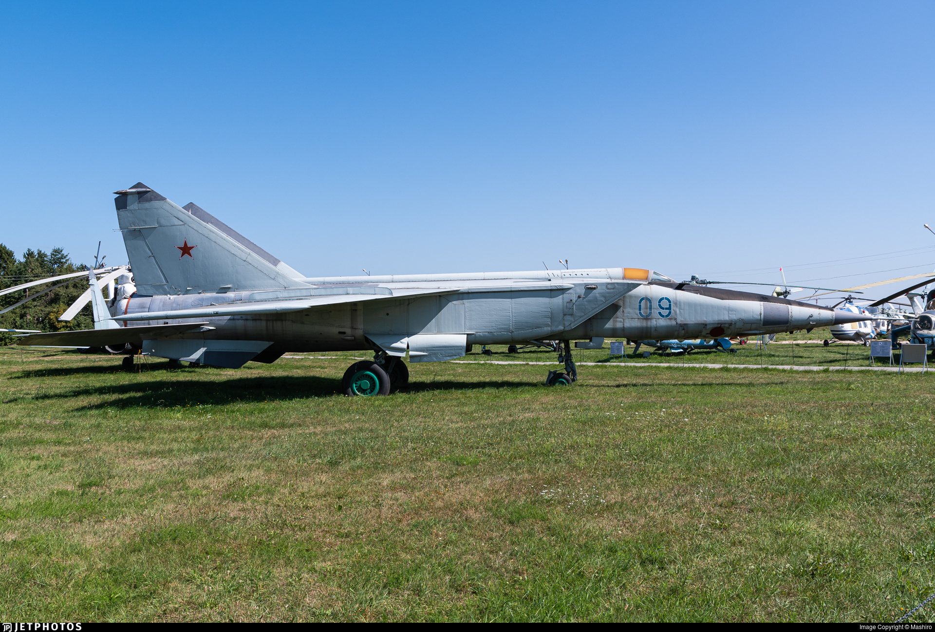 09 - Mikoyan-Gurevich MiG-25 Foxbat - Soviet Union - Air Force