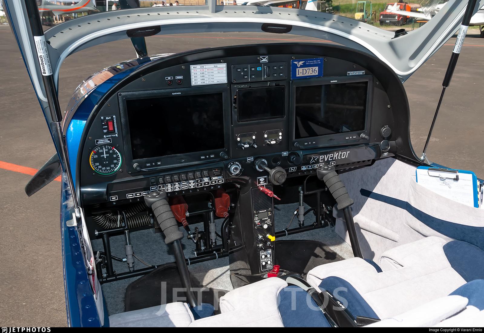 I-D736 - Evektor Eurostar SLW - Private
