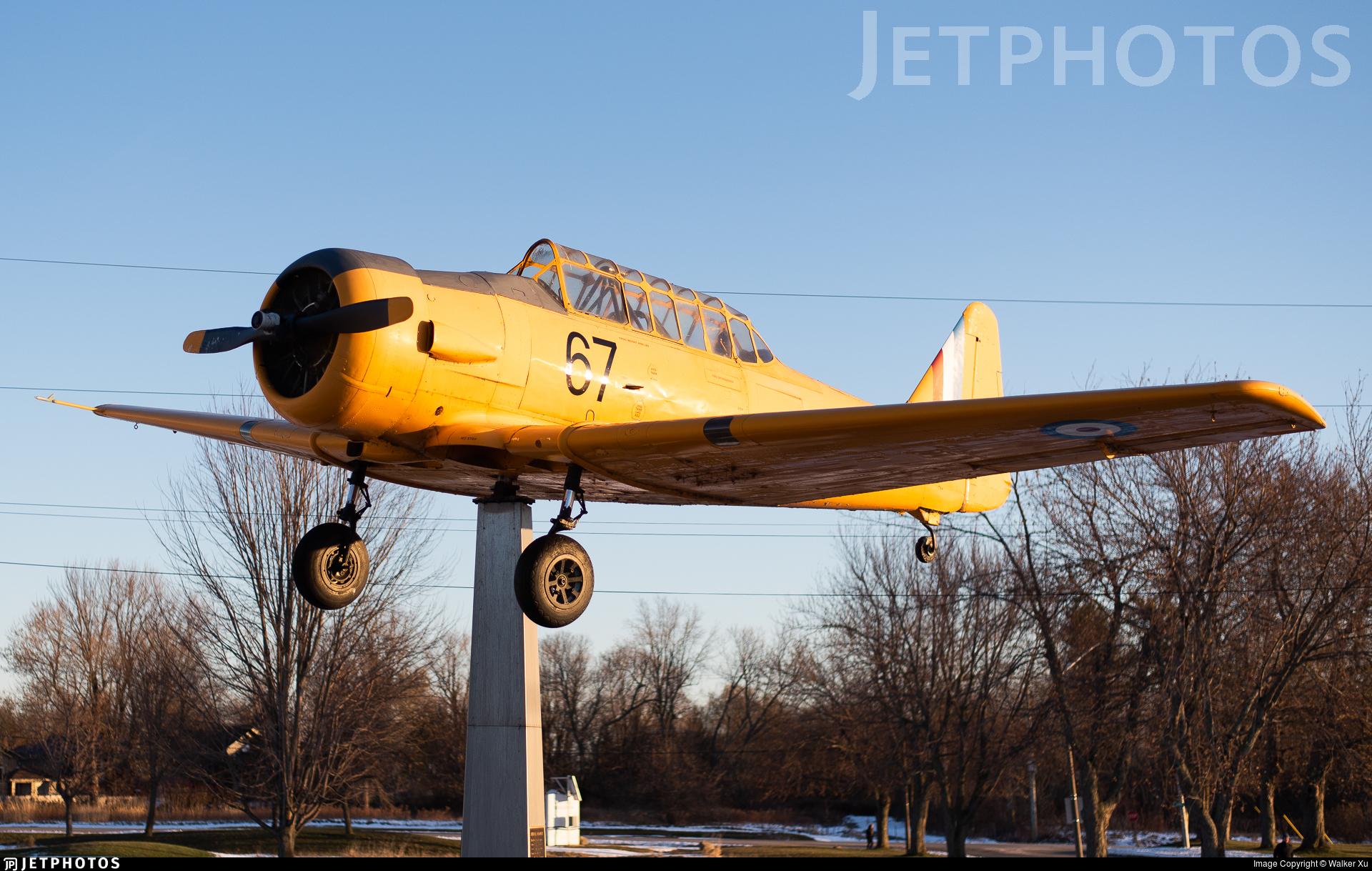 AJ693 - North American AT-6 Harvard II - Canada - Royal Canadian Air Force (RCAF)