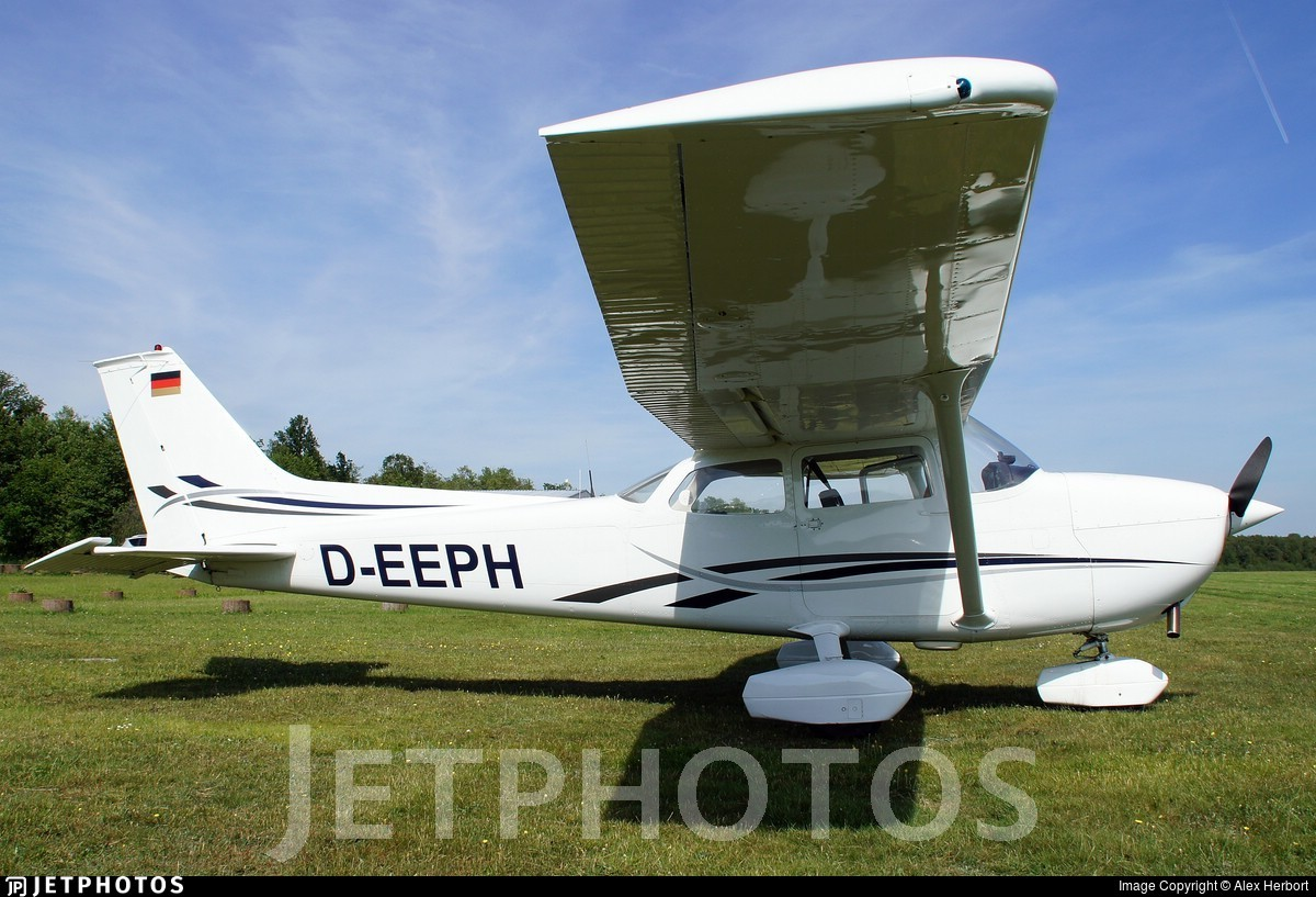 D-EEPH - Reims-Cessna F172M Skyhawk - Private