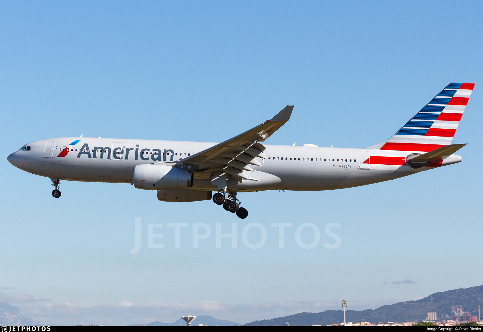 N280ay Airbus A330 243 American Airlines Oliver