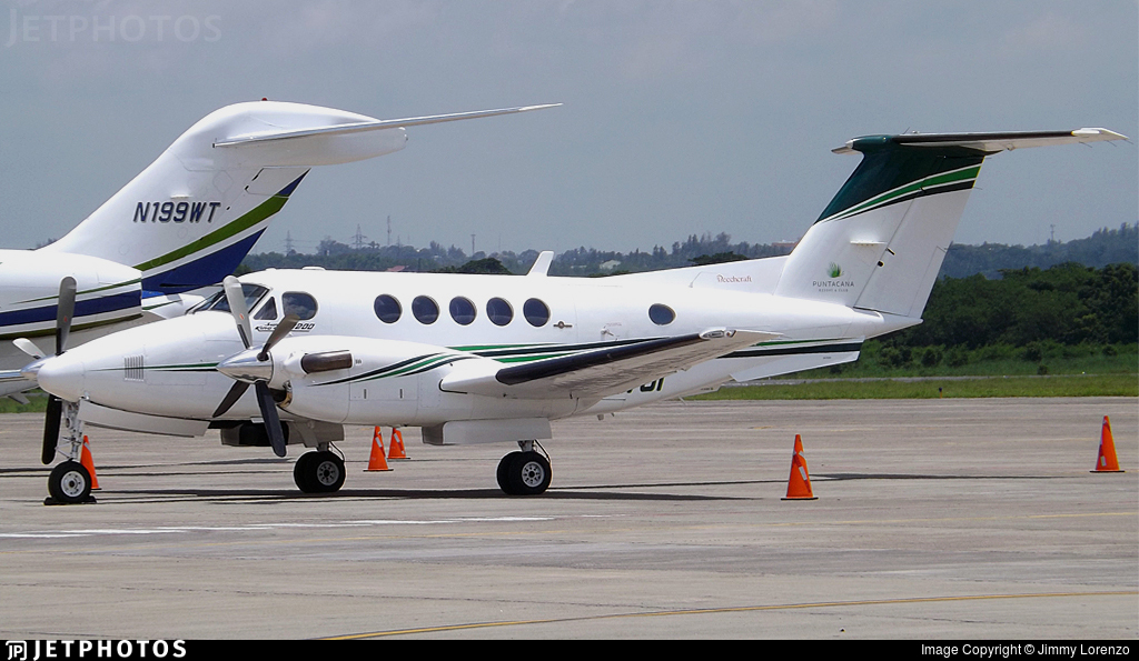 HI701 - Beechcraft 200 Super King Air - Private