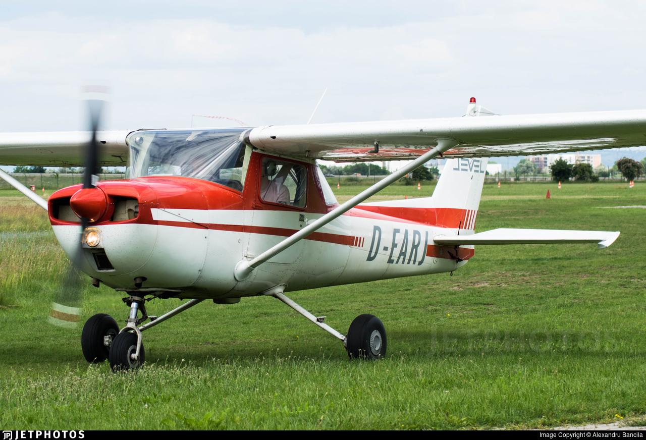 D-EARJ - Reims-Cessna F150L - Fly Level