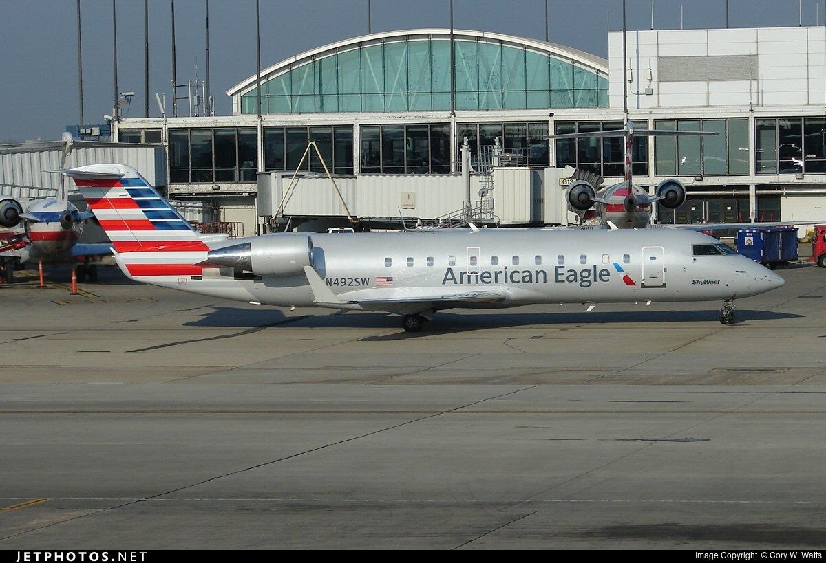 N492SW - Bombardier CRJ-200LR - American Eagle (SkyWest Airlines)