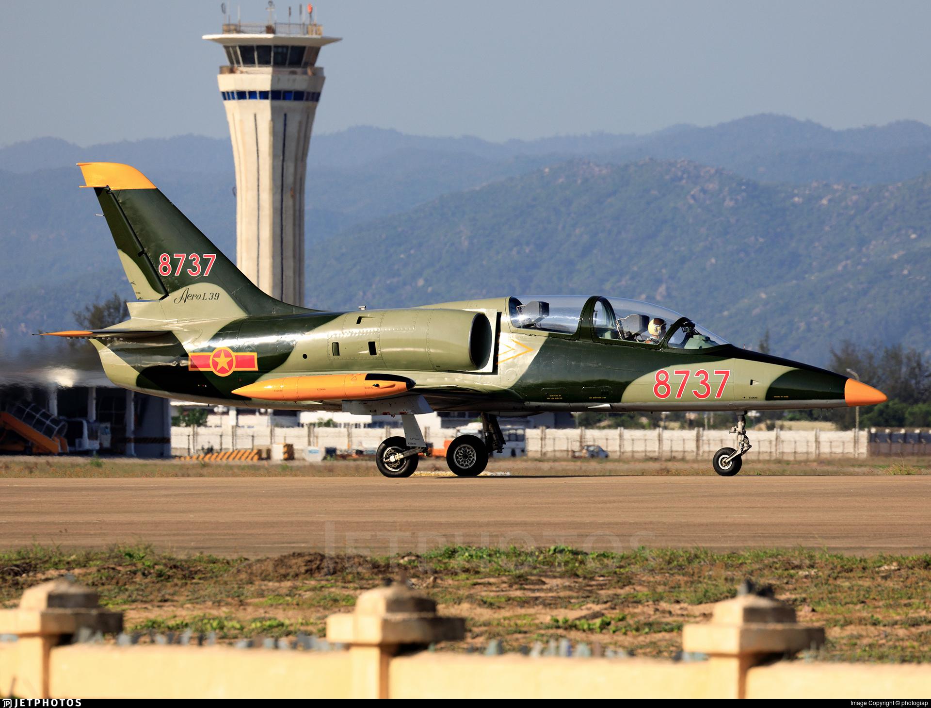 8737 - Aero L-39C Albatros - Vietnam - Air Force