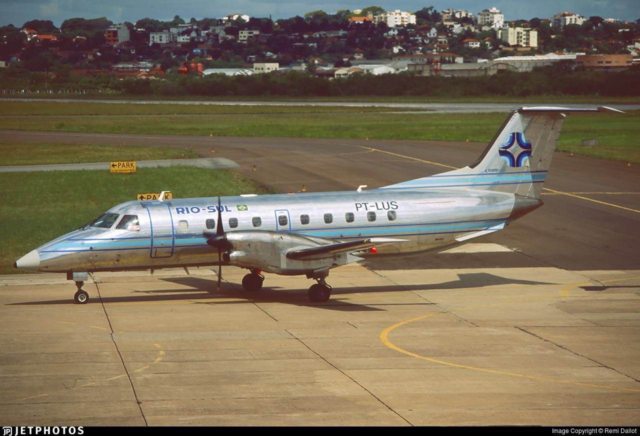 PT-LUS - Embraer EMB-120RT Brasília - Rio-Sul