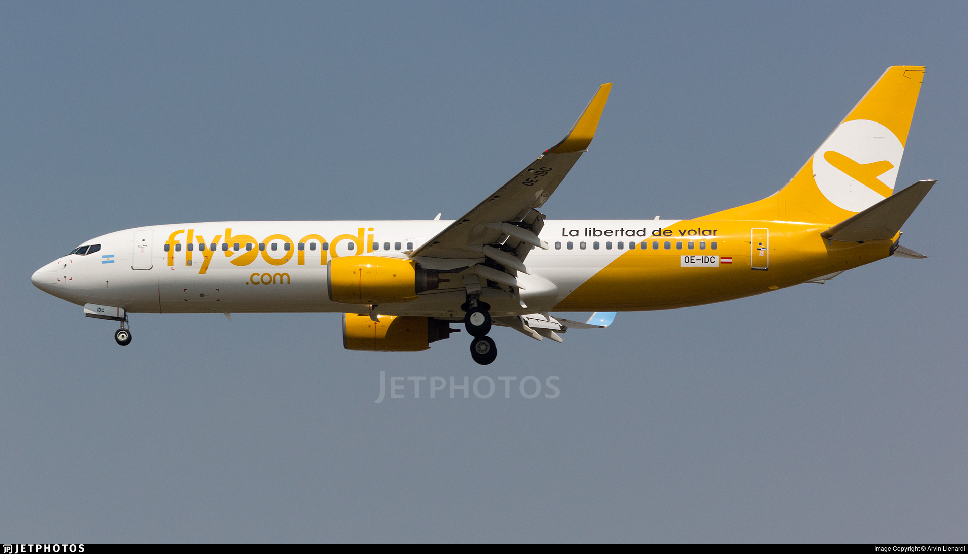OE-IDC - Boeing 737-838 - Flybondi