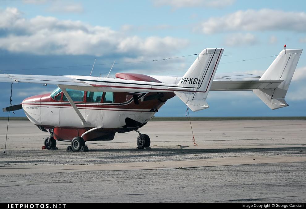 VH-KEN - Cessna 337F Super Skymaster - Private