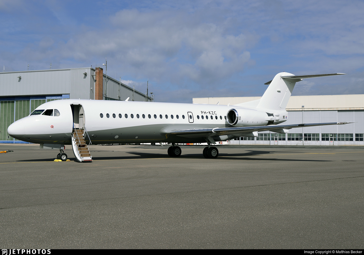 PH-KZC - Fokker 70 - Untitled