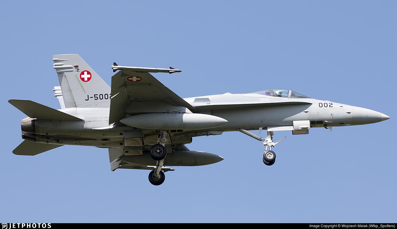 J-5002 - McDonnell Douglas F/A-18C Hornet - Switzerland - Air Force