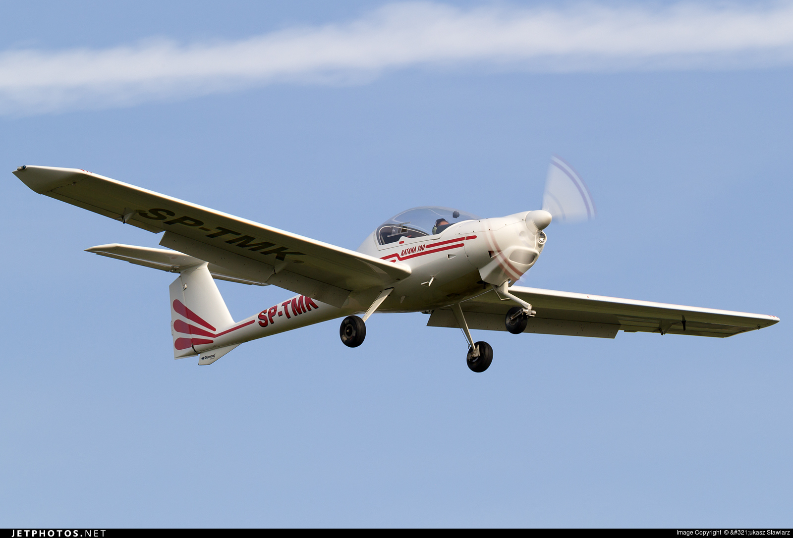 the pilot aircraft is century diamond new for eclipse aviation acclaimed trainer alpine da highly