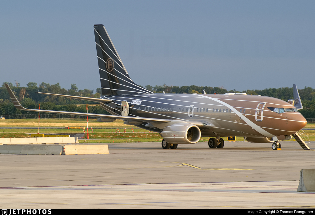 N666ML - Boeing 737-7BC(BBJ) - Private