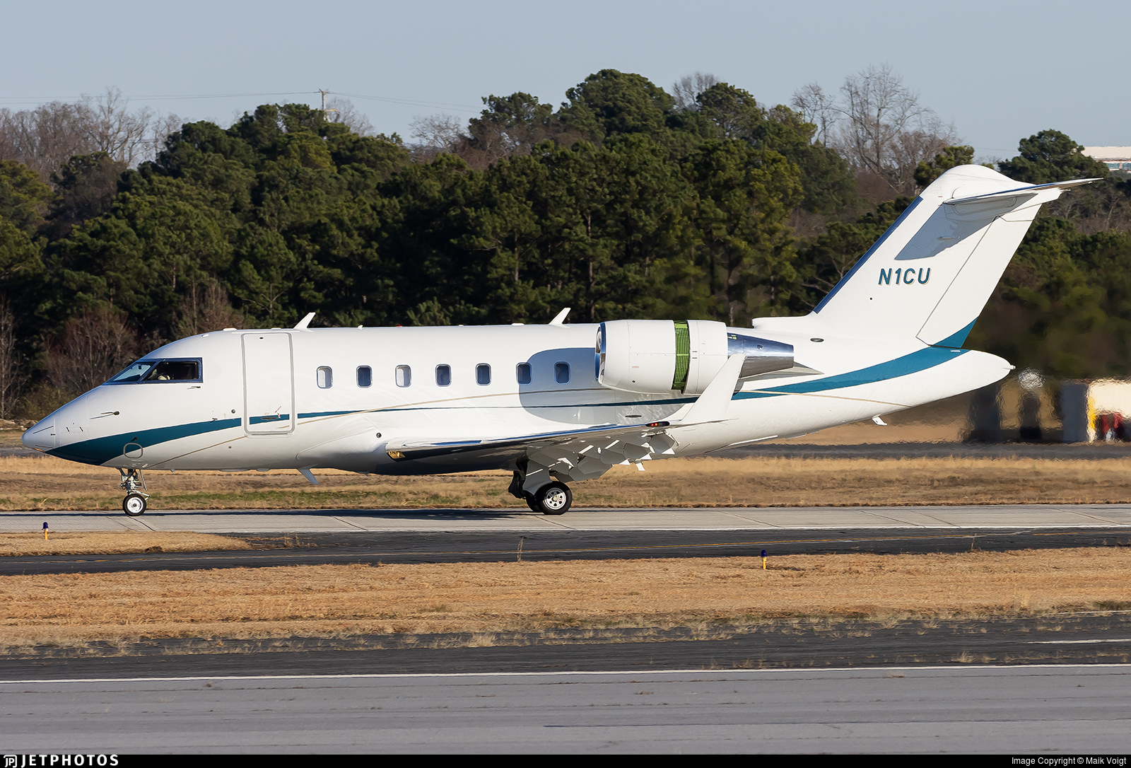 N1CU - Bombardier CL-600-2B16 Challenger 605 - Private