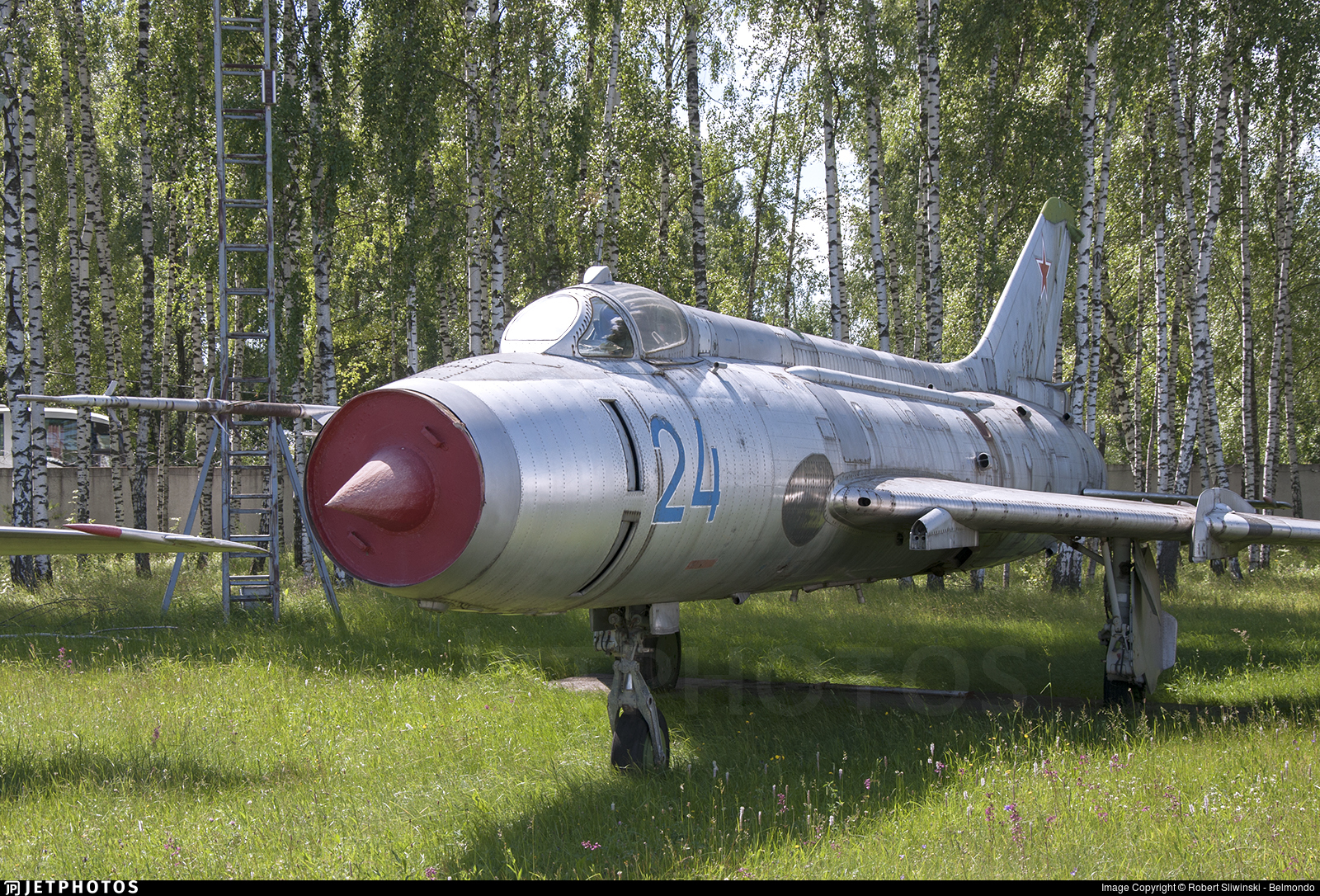 24 - Sukhoi Su-17 Fitter - Russia - Air Force