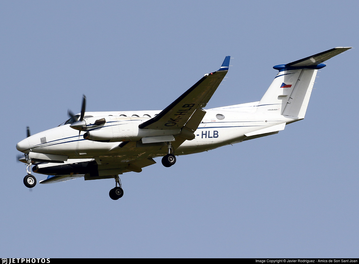 OK-HLB - Beechcraft B300 King Air 350 - Aerotaxi
