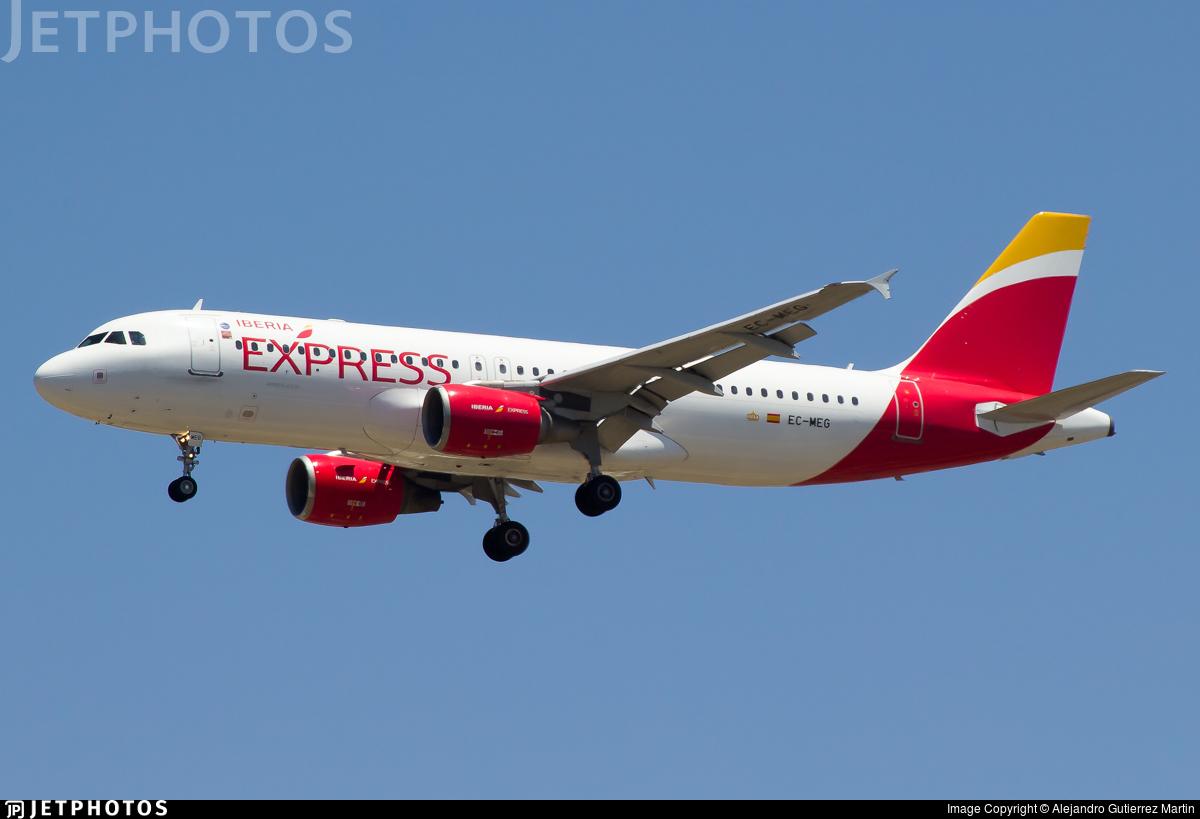 EC-MEG - Airbus A320-214 - Iberia Express