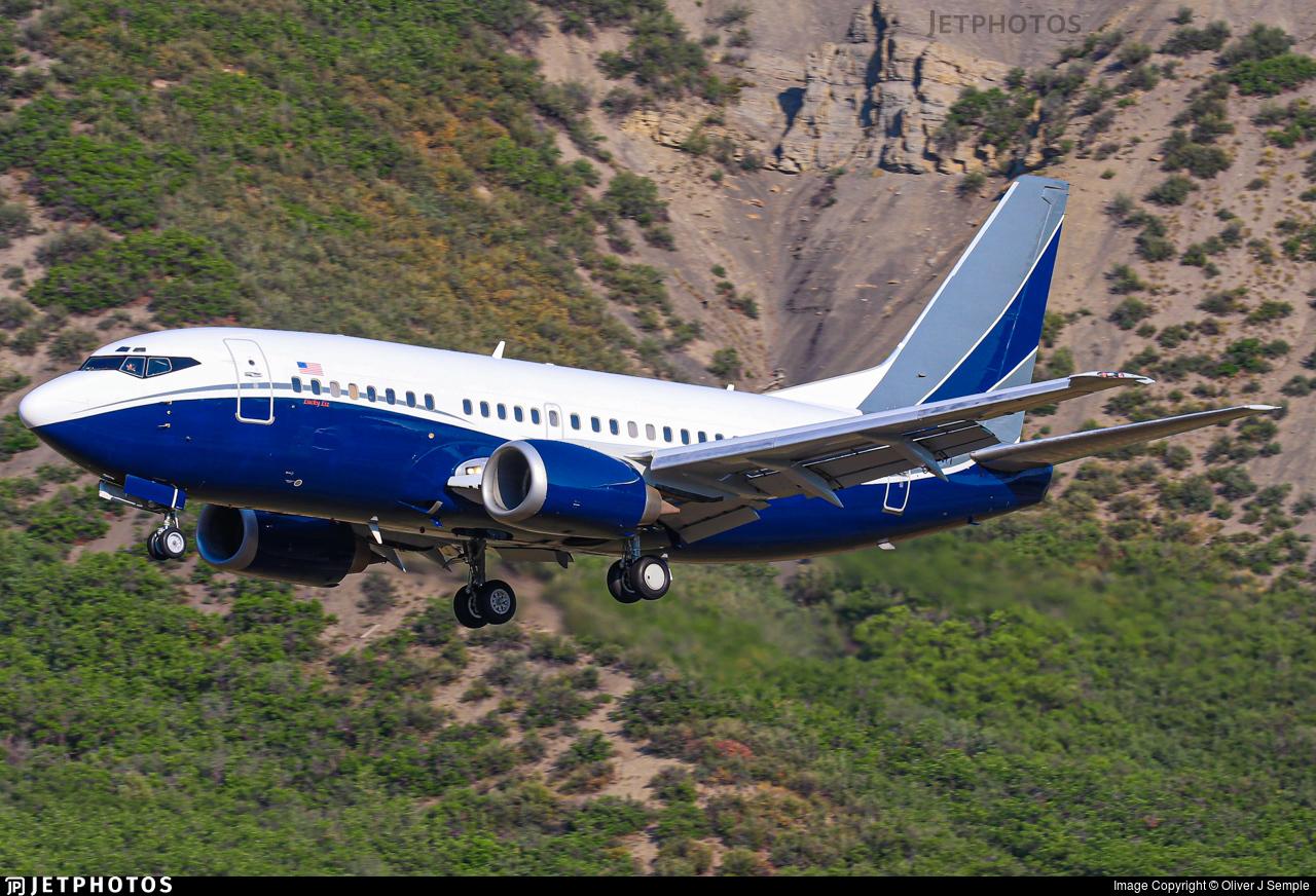 N737MT - Boeing 737-5L9 - Private