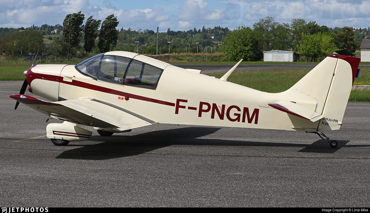 F-PNGM - Jodel DR1051 Ambassadeur - Private