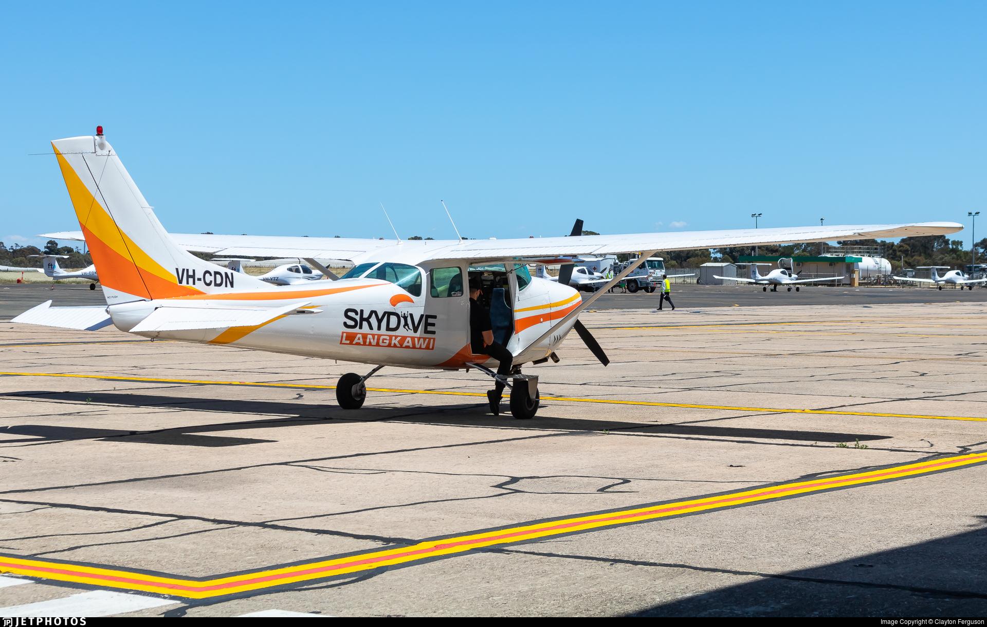 VH-CDN - Cessna 182F Skylane - Skydive Langkawi