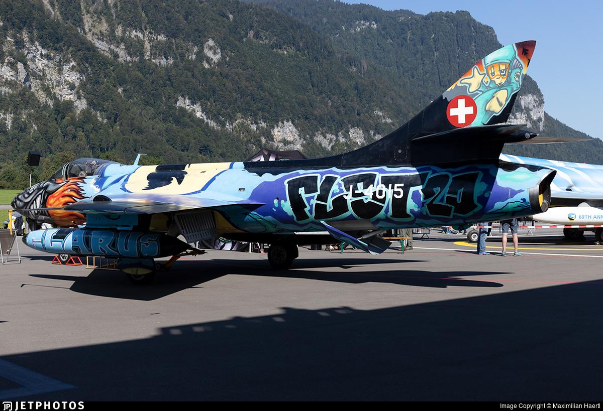 J-4015 - Hawker Hunter F.58 - Switzerland - Air Force