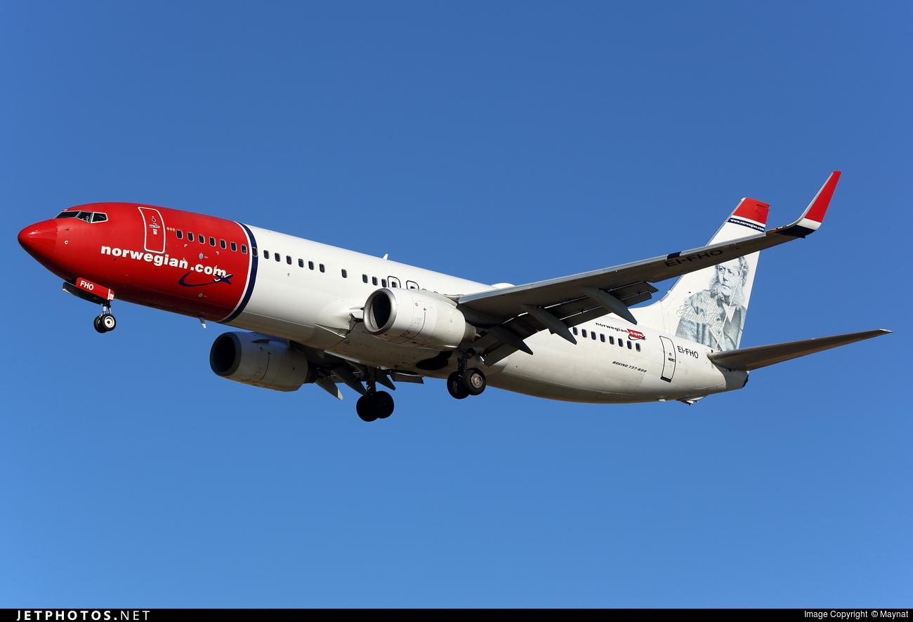 EI-FHO - Boeing 737-86N - Norwegian