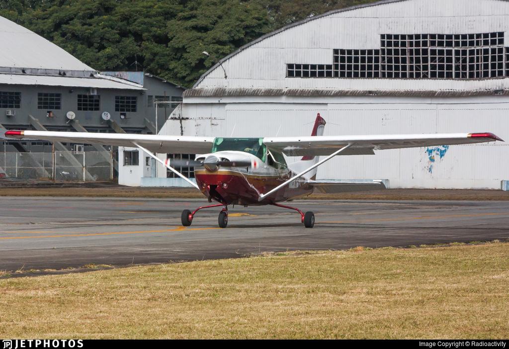 PR-DMK - Cessna R182 Skylane RG - Private