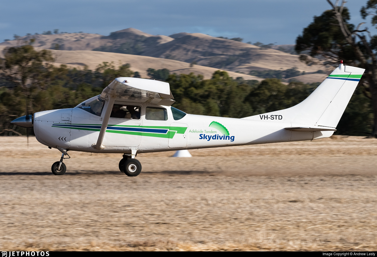 VH-STD - Cessna 182E Skylane - Adelaide Tandem Skydiving
