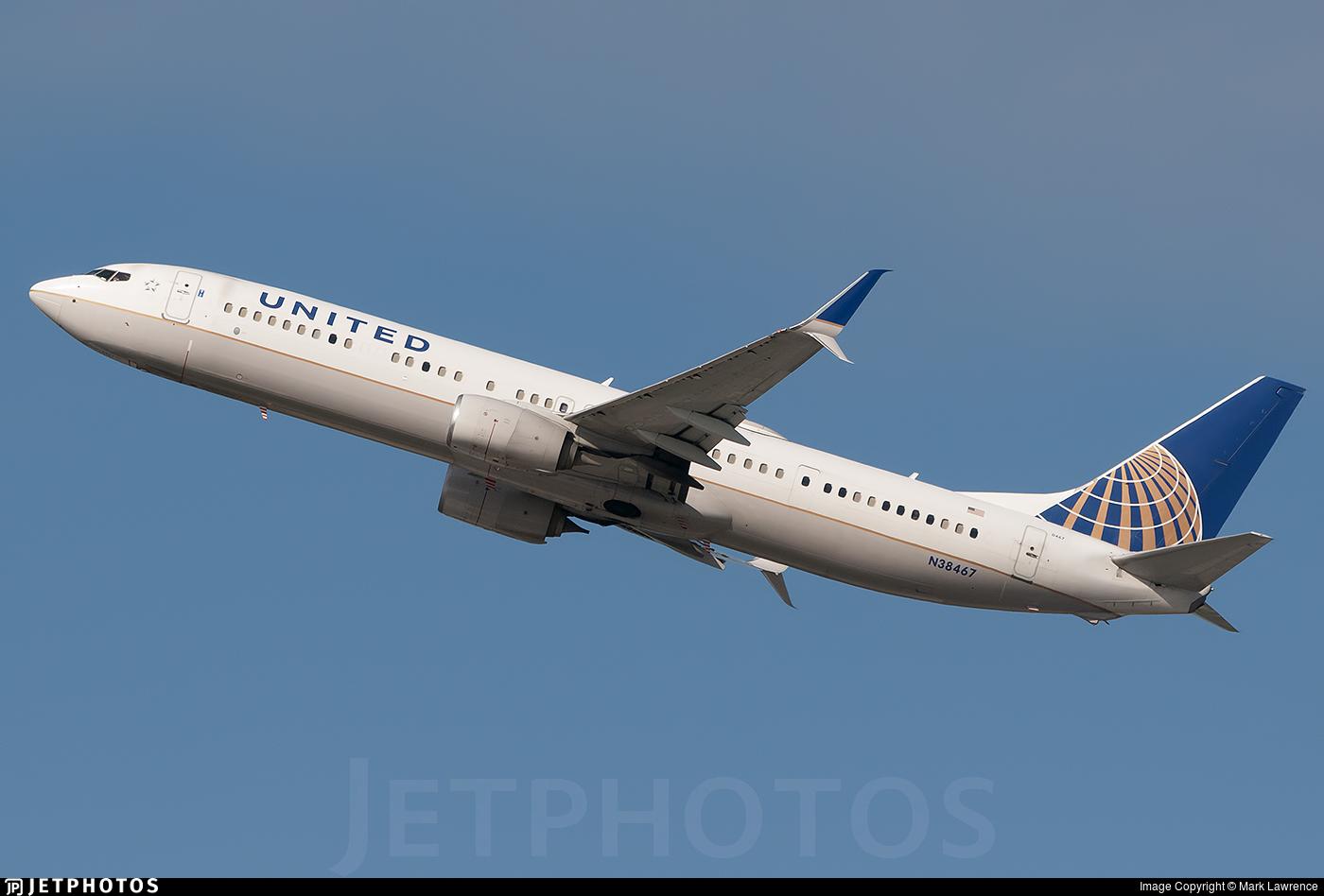 N38467 - Boeing 737-924ER - United Airlines