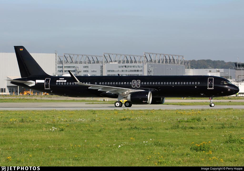 D-AZAT - Airbus A321-253NX - Titan Airways
