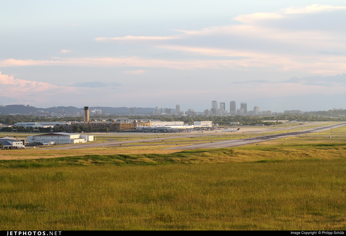 KBHM - Airport - Airport Overview