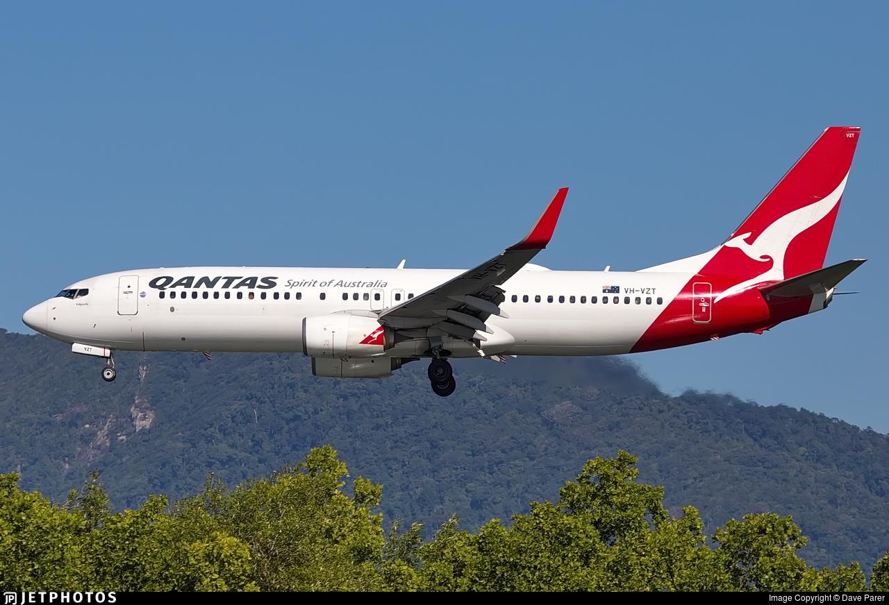 VH-VZT - Boeing 737-838 - Qantas