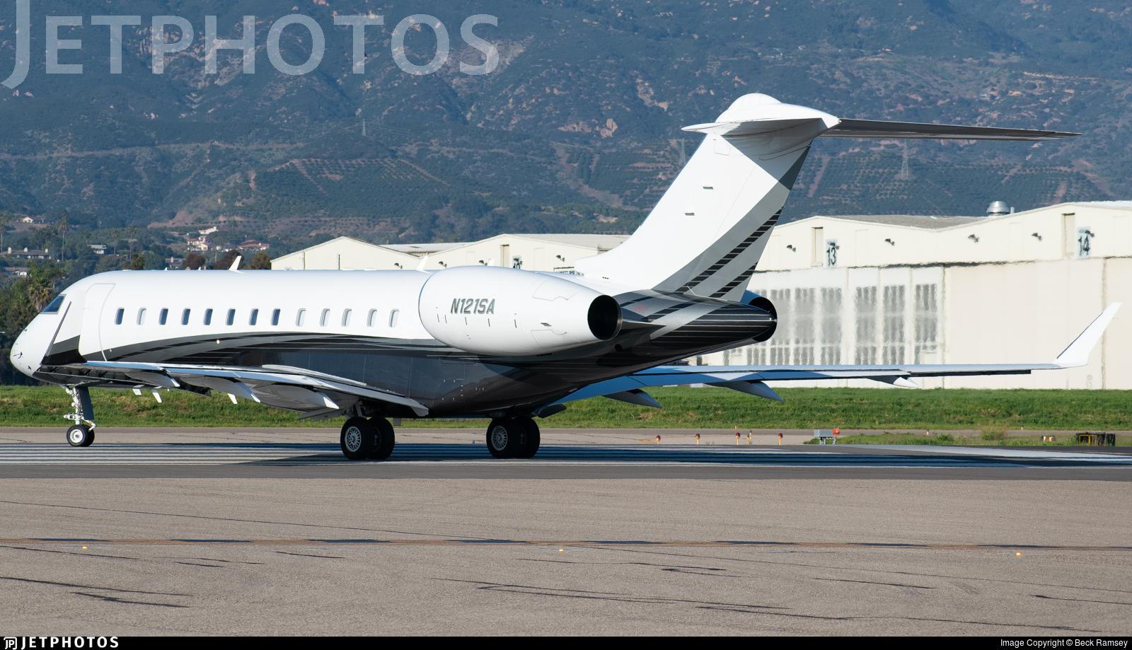 N121SA - Bombardier BD-700-1A10 Global 7000 - Private