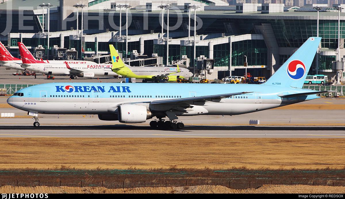 HL7598 - Boeing 777-2B5(ER) - Korean Air