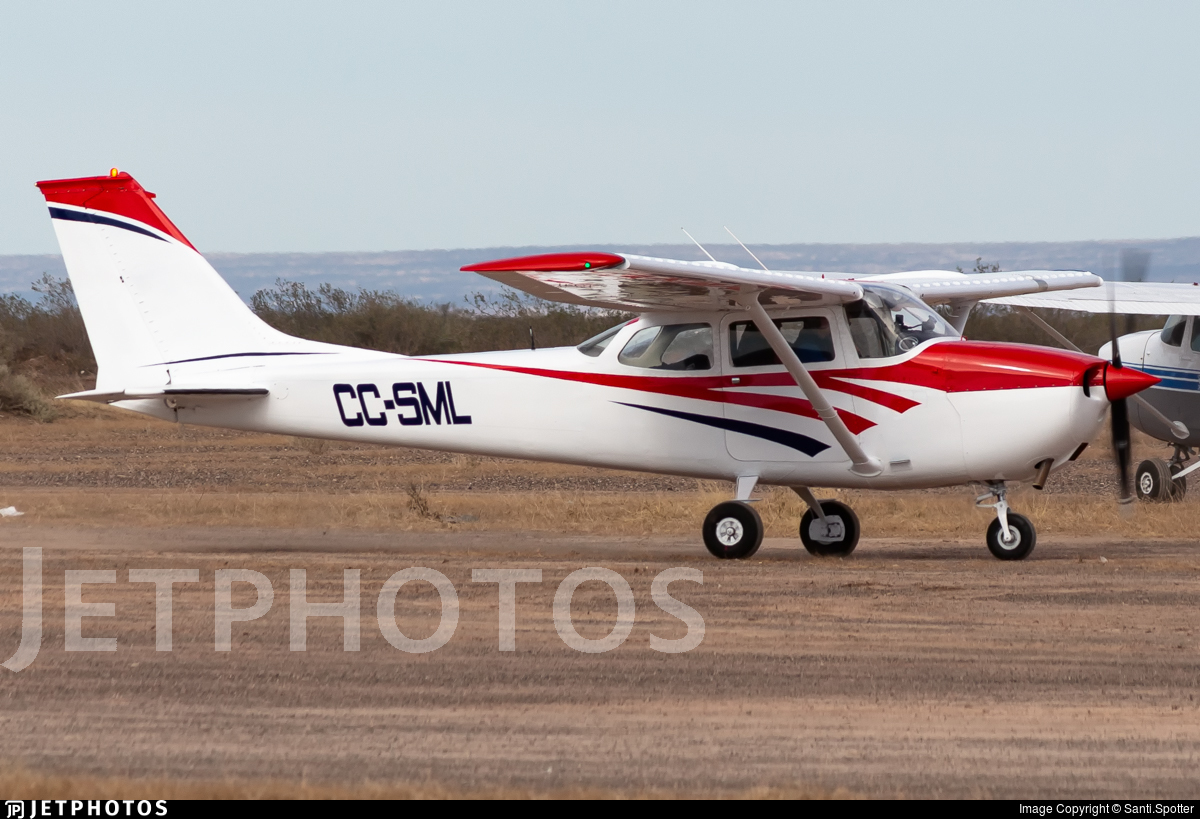 CC-SML - Cessna 172 Skyhawk - Private