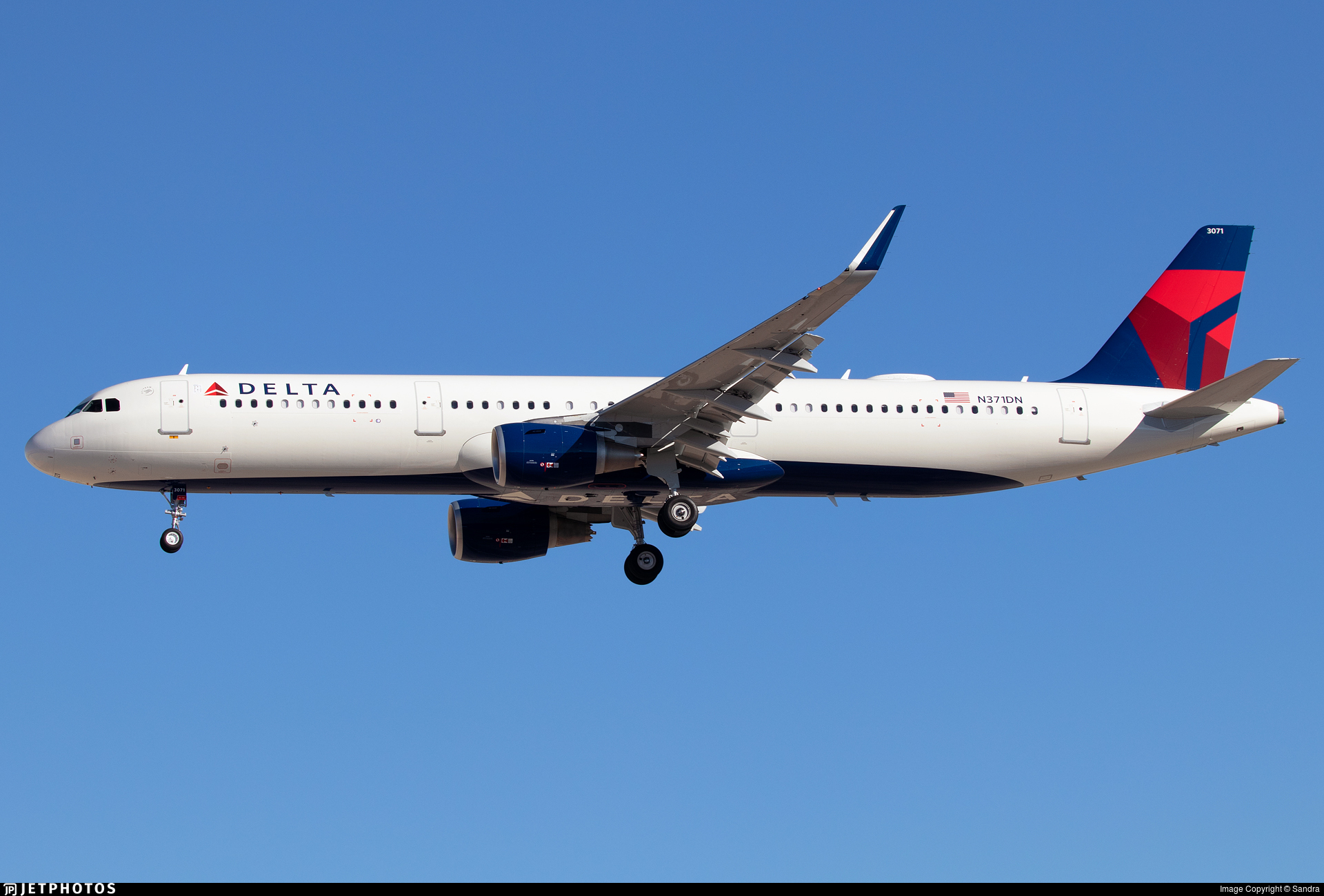 N371DN - Airbus A321-211 - Delta Air Lines