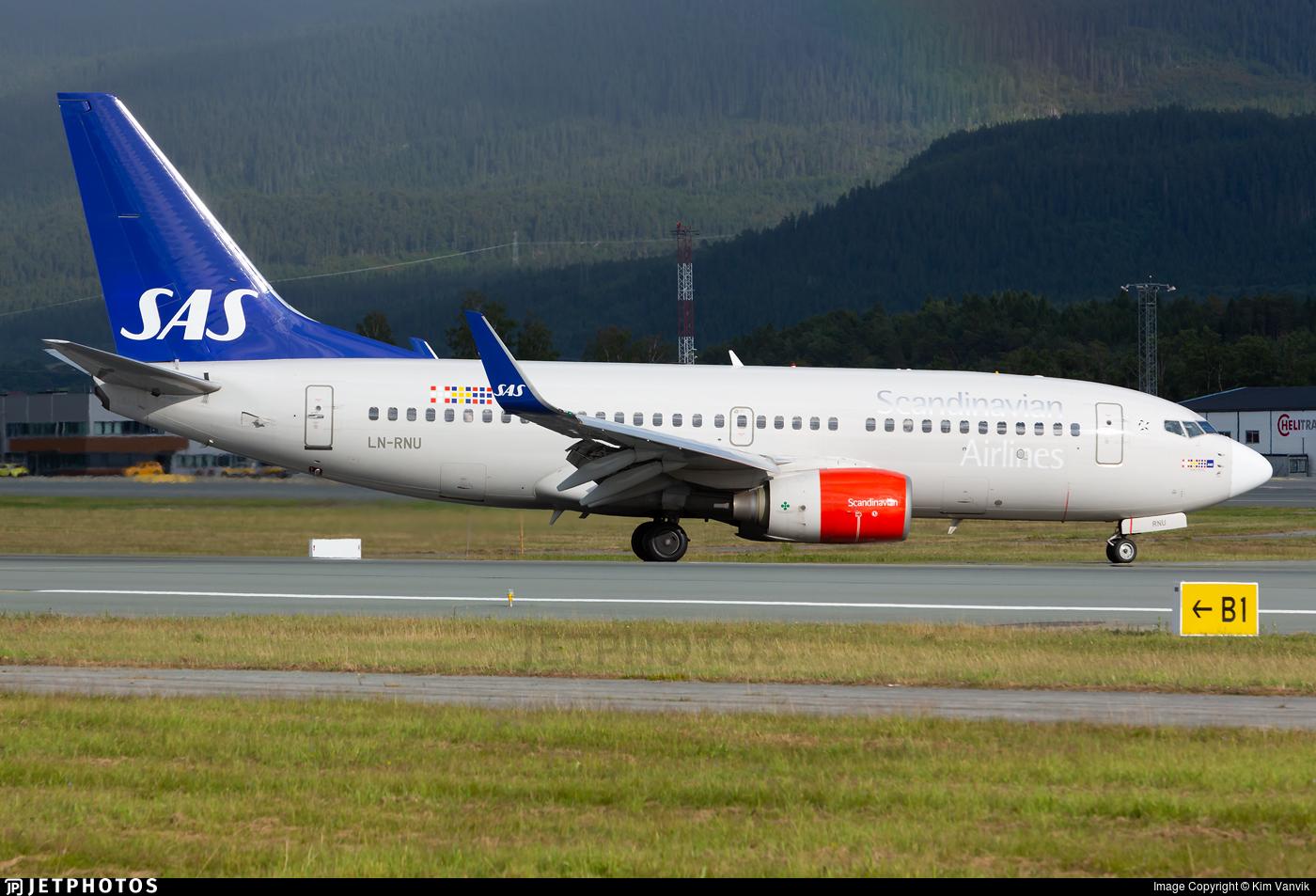 LN-RNU - Boeing 737-783 - Scandinavian Airlines (SAS)