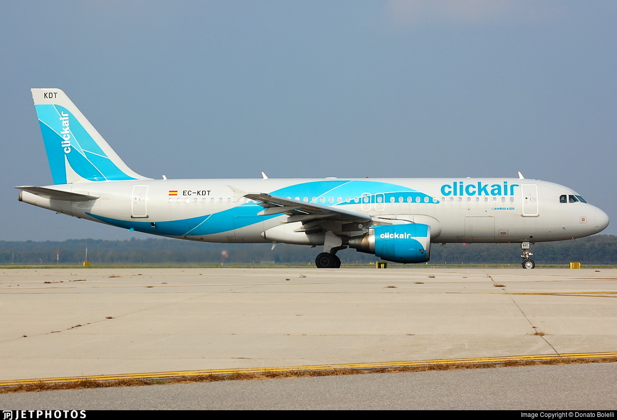 EC-KDT - Airbus A320-216 - Clickair