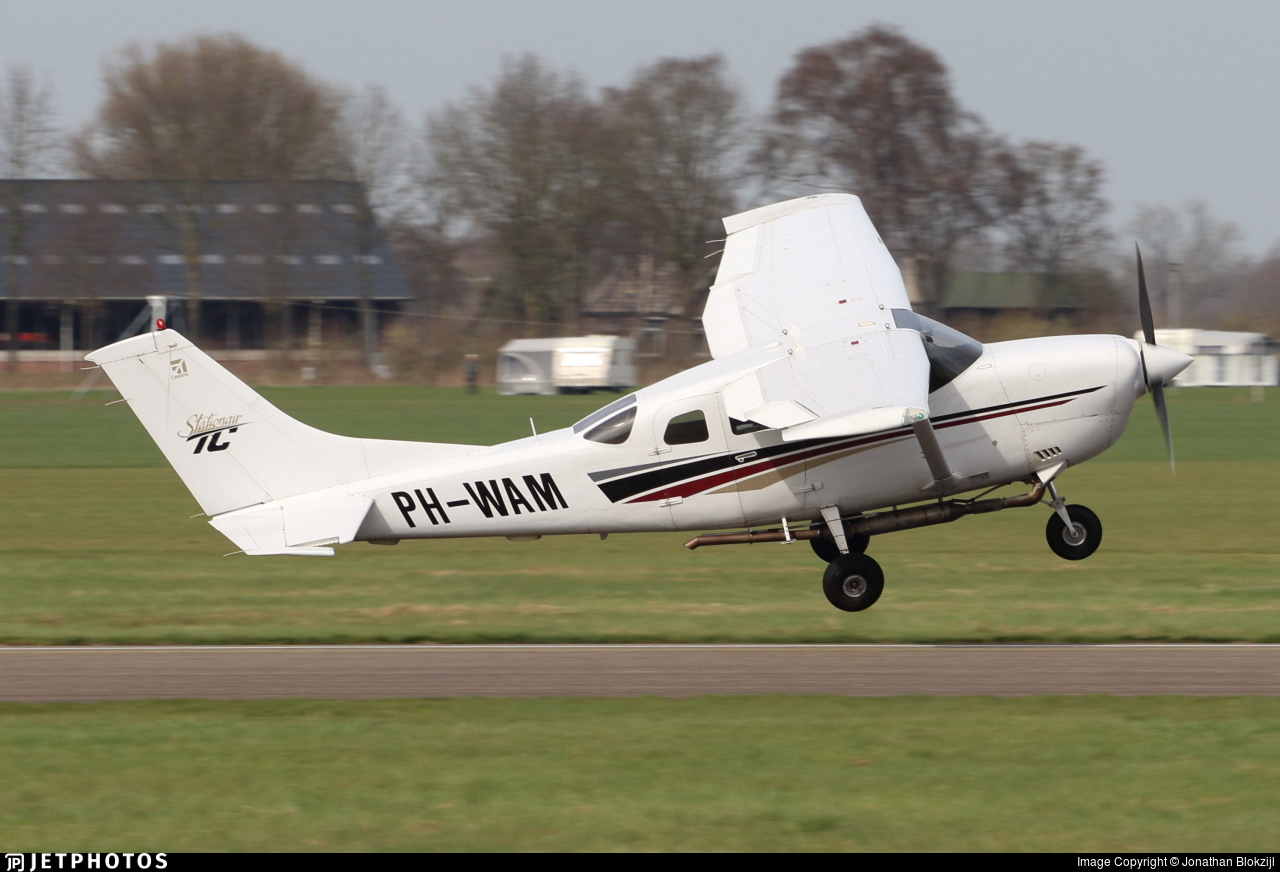 PH-WAM - Cessna T206H Turbo Stationair - Private