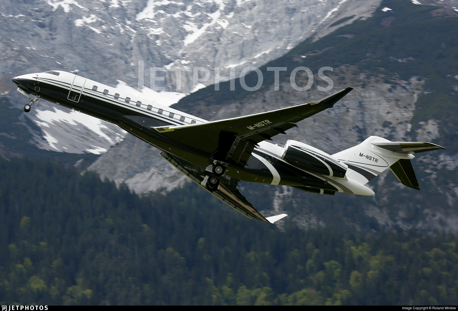 M-NSTR - Bombardier BD-700-2A12 Global 7500  - Private