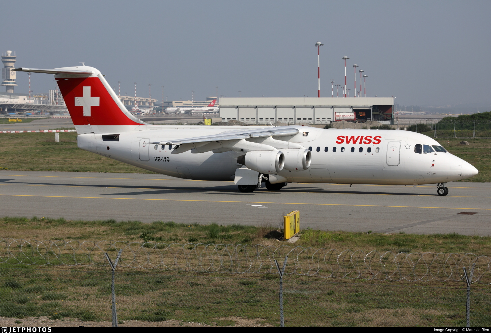 HB-IYQ - British Aerospace Avro RJ100 - Swiss