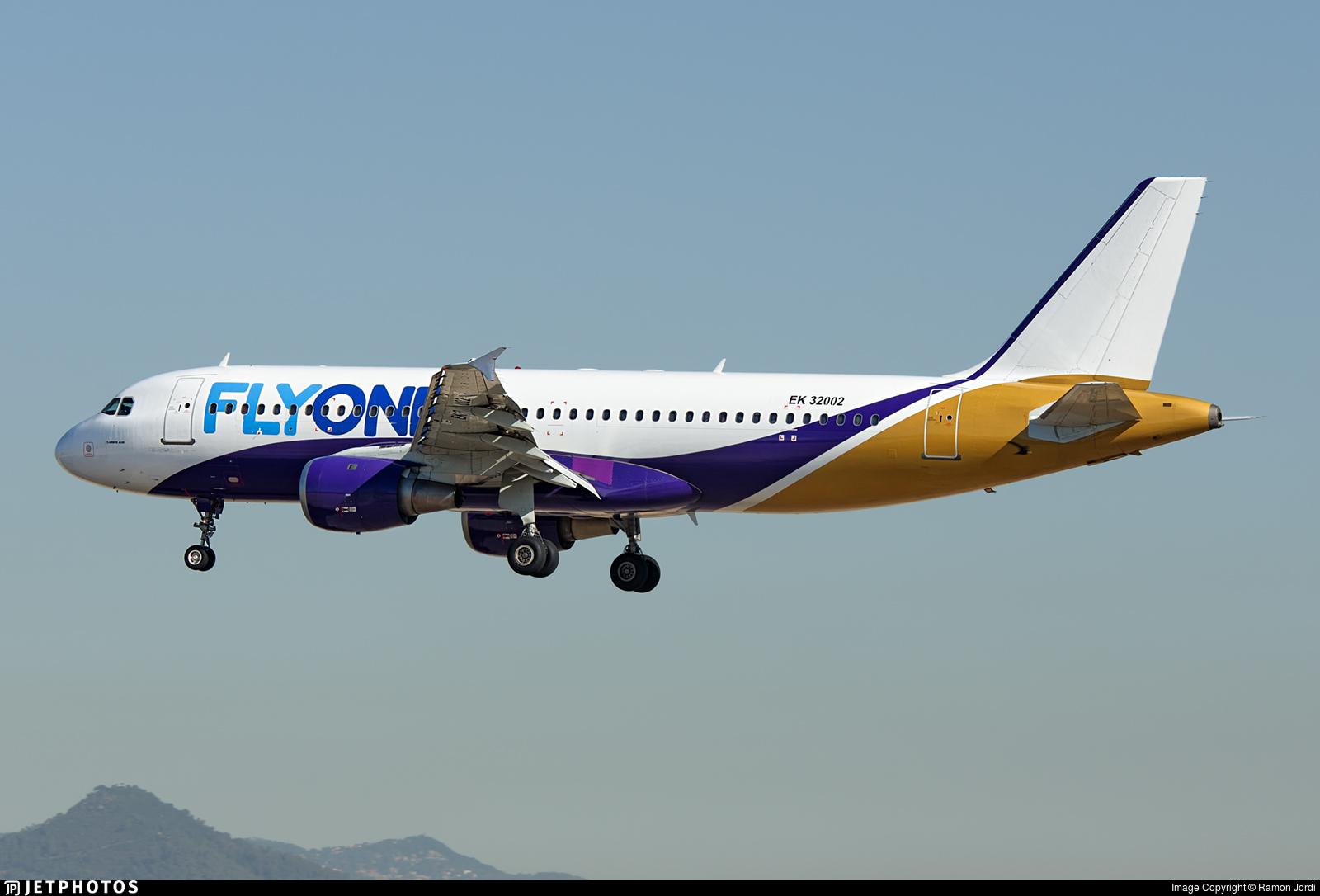 EK32002 - Airbus A320-211 - FlyOne